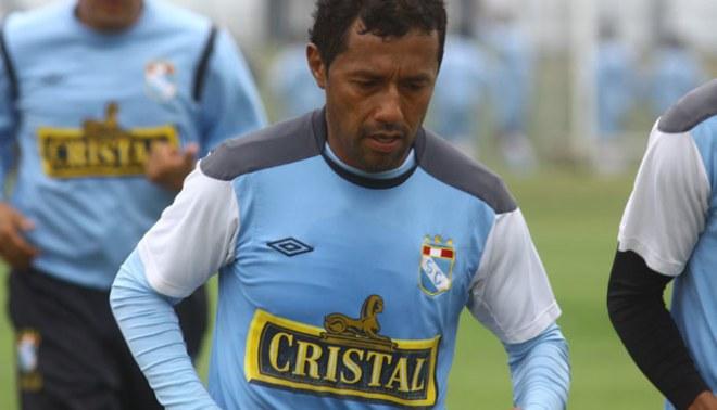Roberto Palacios se lesionó y no jugará ante la César Vallejo