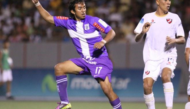Joazhino Arroé debutó con la camiseta blanquiazul y casi anota el segundo