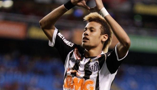 Neymar fue suspendido cinco fechas por faltarle el respeto a un árbitro