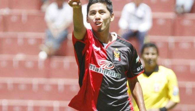 Edson Aubert: Hay la posibilidad de jugar por Alianza Lima