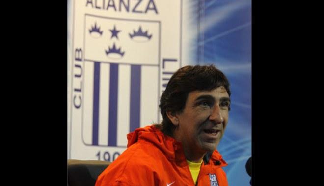 Gustavo Costas dejó equipo árabe y Alianza Lima lo quiere para la Copa