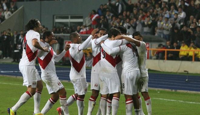 A rodar la 'pelotita': Perú jugaría amistosos ante Chile y Dinamarca
