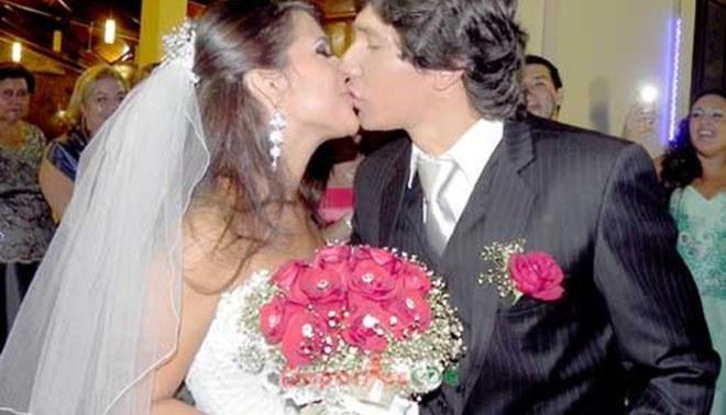 """Roberto Ovelar se casó anoche y de """"regalo"""" recibió buena oferta de Olimpia"""
