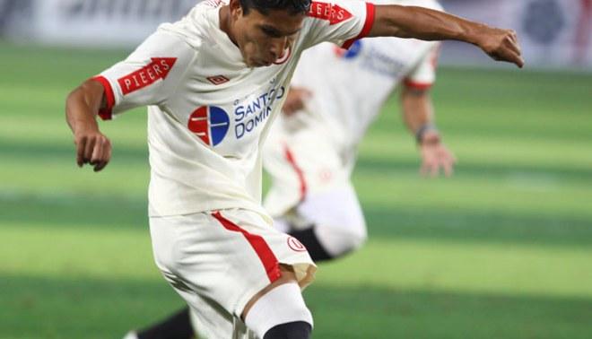 """""""Pulga"""" de oro: Raúl Ruidíaz fue el mejor jugador del Perú, según diario El País"""