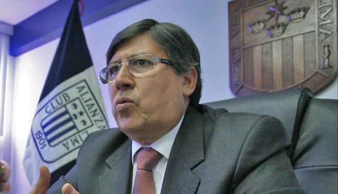 No lo quieren: Guillermo Alarcón fue agredido a la salida del a AFPD