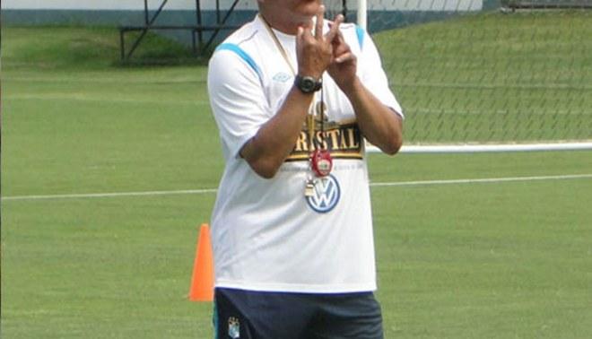 Solo un susto: Roberto Mosquera se descompensó en entrenamiento de Cristal