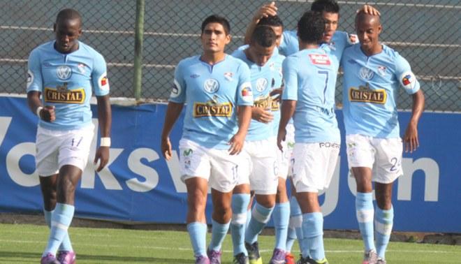 A tres del puntero: Sporting Cristal aplastó 4-0 a Cienciano