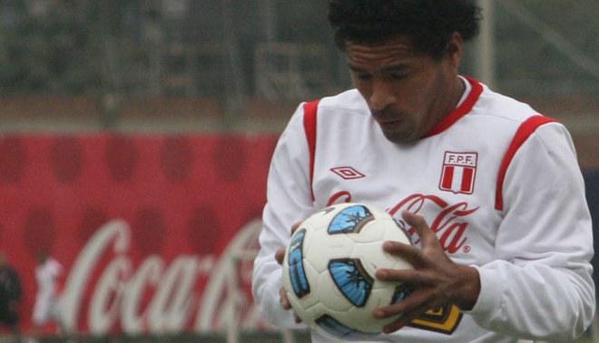 Santiago Acasiete no llegó a un acuerdo en Universitario