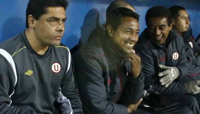 Nolberto Solano sumó anoche ante Sport Huancayo doce partidos consecutivos sin perder con Universitario