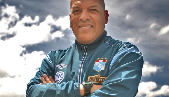 Roberto Mosquera a LÍBERO: En Sporting Cristal no hay tiempo para jodas ni trasnochadas