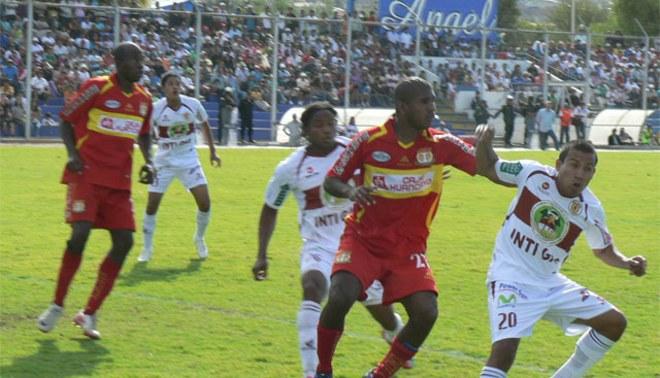 Sport Huancayo e Inti Gas juegan hoy partido que se suspendió ayer por lluvias