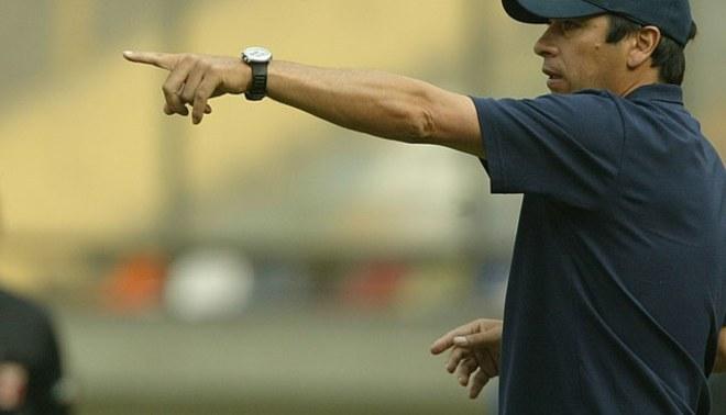"""José Basualdo dijo que si lo llaman de Universitario """"no lo pensaría dos veces porque el equipo me marcó"""""""