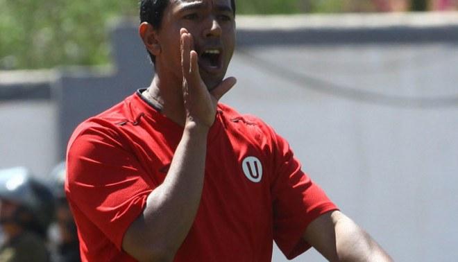 Nolberto Solano no regresó de Miami con Universitario y no dirigiría en el clásico del viernes