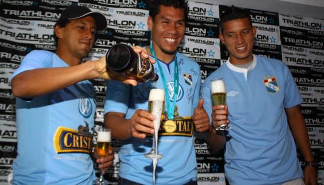 ¡Sporting Cristal campeón! Sus futbolistas no cesan los festejos