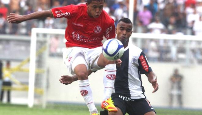 Juan Aurich busca convencer a Roberto Merino para que juegue en el club todo el 2013