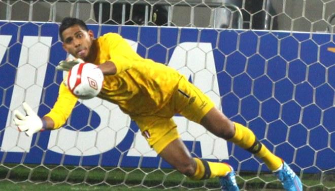 Raúl Fernández volvió a mostrar seguridad con la selección peruana ante Trinidad y Tobago
