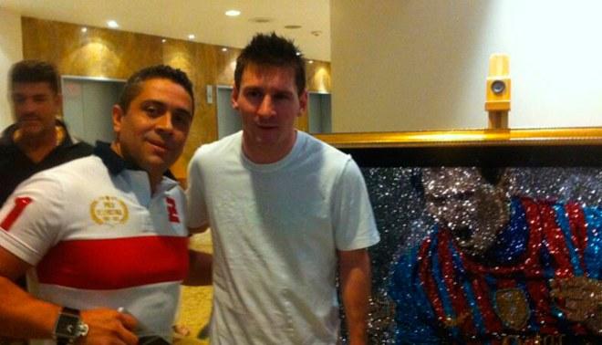 Lionel Messi fue retratado en una obra de cristales valorizada en 50 mil dólares [FOTOS]