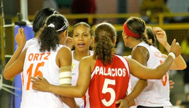 Selección peruana de vóley luchará en Ica por clasificar al Mundial Italia 2014