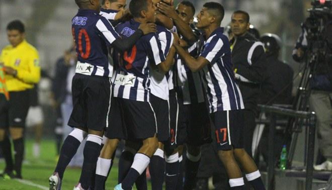 Alianza Lima venció 2-0 a FBC Melgar y se acerca los líderes de la Liguilla A [VIDEO]