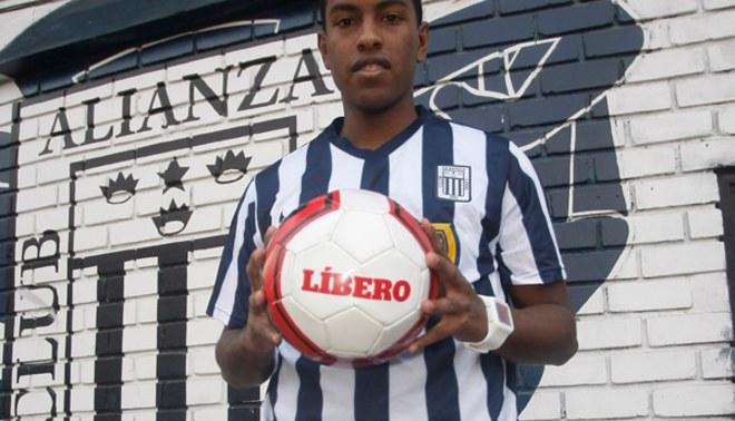 Alianza Lima: Miguel Araujo se ganó un lugar en el equipo titular de Guillermo Sanguinetti