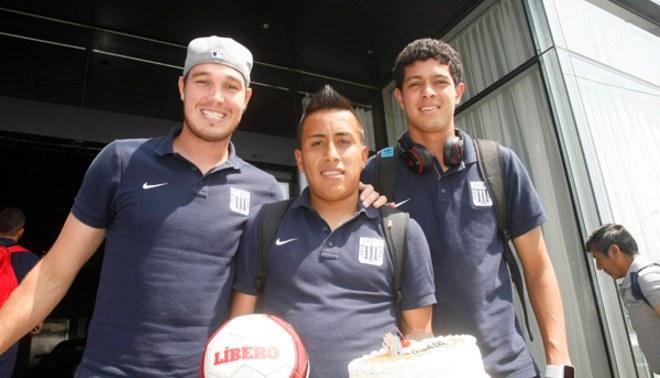 Alianza Lima: conoce la promesa que jugadores íntimos le hicieron a Cueva por su cumpleaños