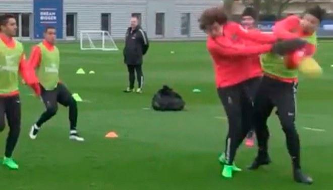 PSG: Así fue el nocaut de David Luiz a Zlatan en práctica parisina [VIDEO]