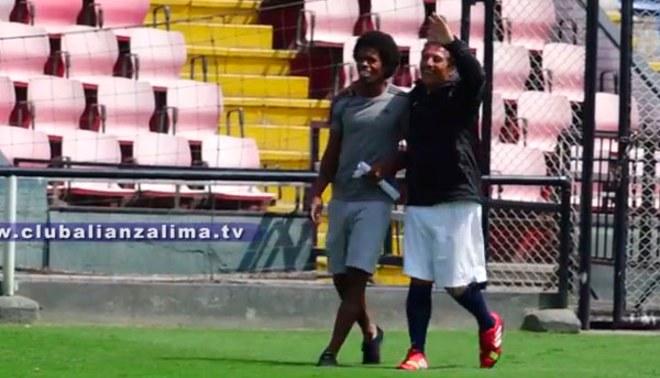 Alianza Lima: César Cueto anotó golazo y Julio Landauri tuvo esta reacción [VIDEO]