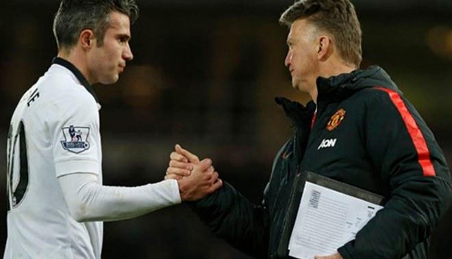 Robin Van Persie critica y responsabiliza a Louis Van Gaal de su partida del Manchester United
