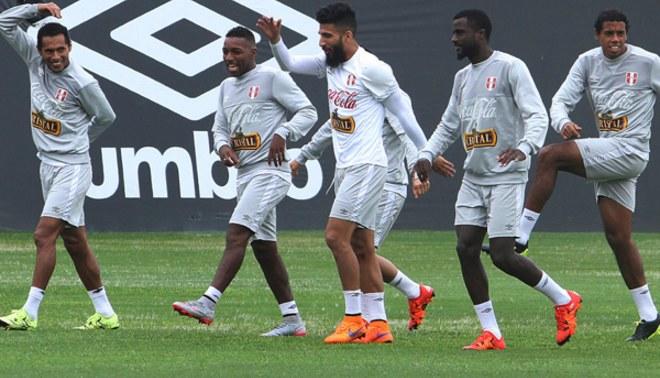 Selección Peruana entrenó por primera vez con legión extranjera para Eliminatorias [VIDEO]