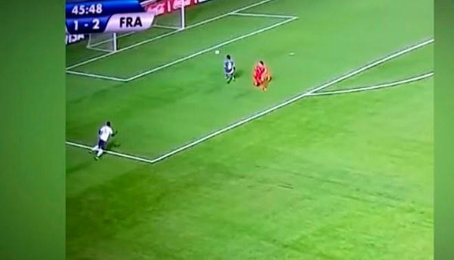 Mundial Sub 17: Hijo de Zinedine Zidane hizo sombrerito y salió jugando desde su arco [VIDEO]
