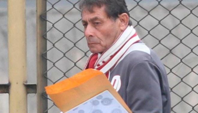 Universitario: administración no renovaría contrato a Roberto Chale de seguir abogando por jugadores