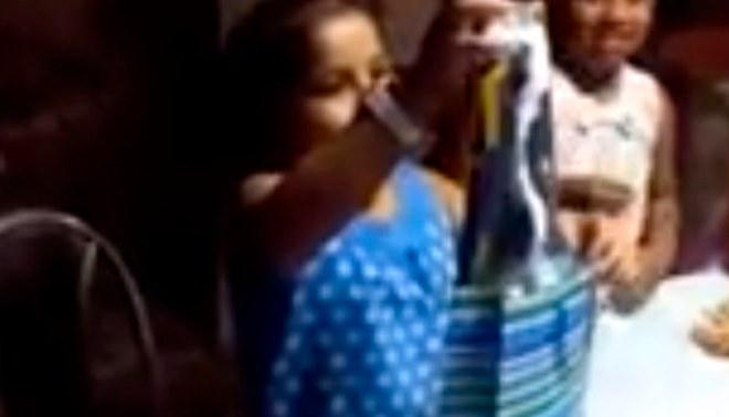 Alianza Lima: mira la reacción de una niña cuando le regalaron una camiseta 'grone' [VIDEO]