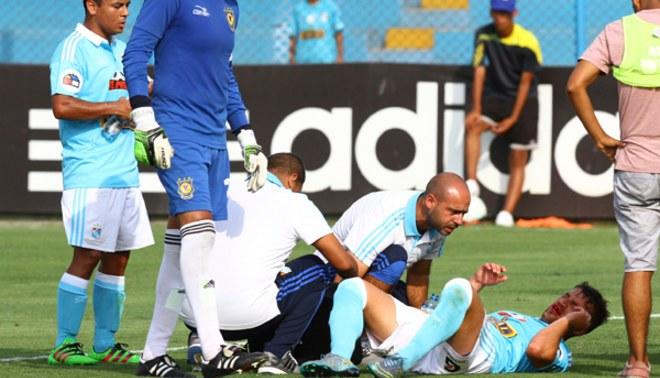 Sporting Cristal: Gabriel Costa tuvo brutal choque con Diego Otoya  [VIDEO]