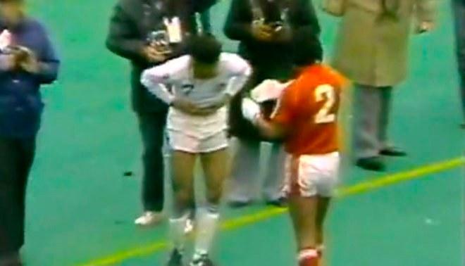 Selección Peruana: 34 años de la bronca de la bicolor con el Cosmos en Estados Unidos   VIDEO