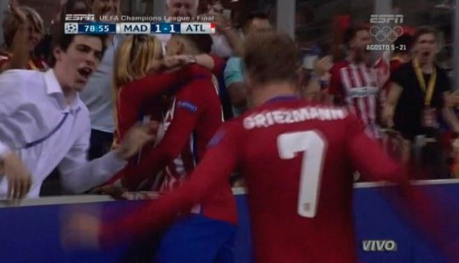 Real Madrid vs. Atlético de Madrid: Yannick Carrasco anotó 1-1 y lo celebró besando a su novia   VIDEO