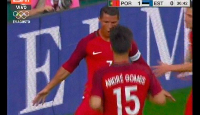 Estonia  Cristiano Ronaldo anotó golazo de cabeza tras pase a tres dedos de  Quaresma  00c5ec60e07a8