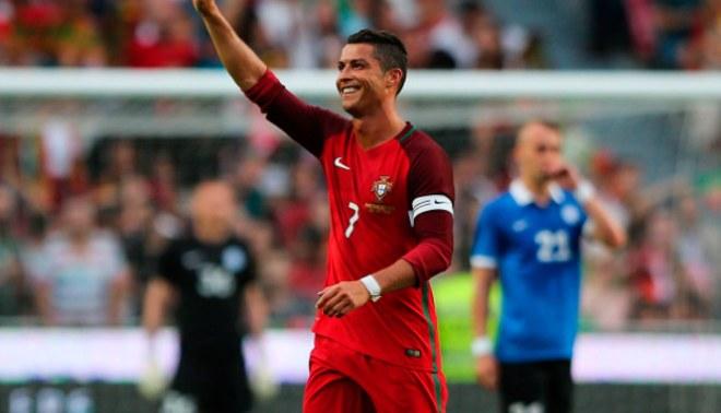 """Cristiano Ronaldo a poco del debut en Eurocopa 2016  """"Soy el mejor jugador  de los últimos 20 años"""" 70d072a0bfff0"""