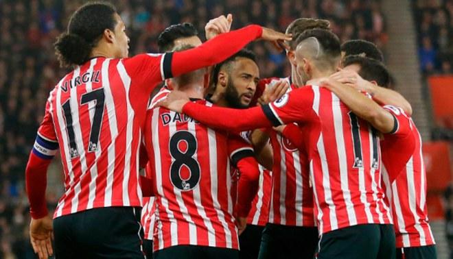Liverpool perdió 1-0 contra Southampton en las semifinales de la Capital One Cup