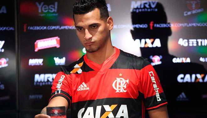Flamengo: Miguel Trauco portará el número '13'