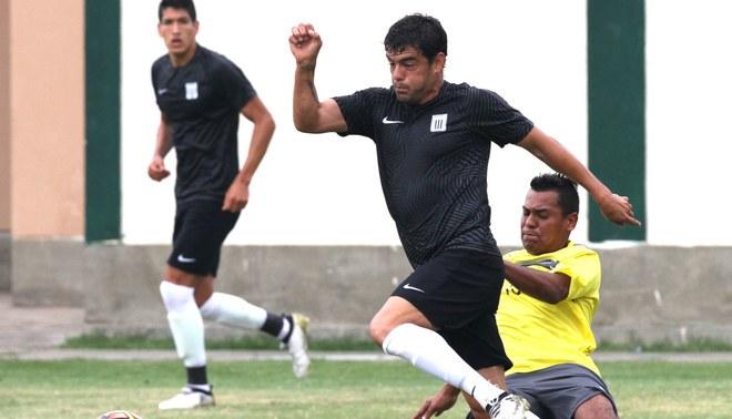 Alianza Lima: Pablo Aguiar superó problema gastrointestinal y regresó a las prácticas