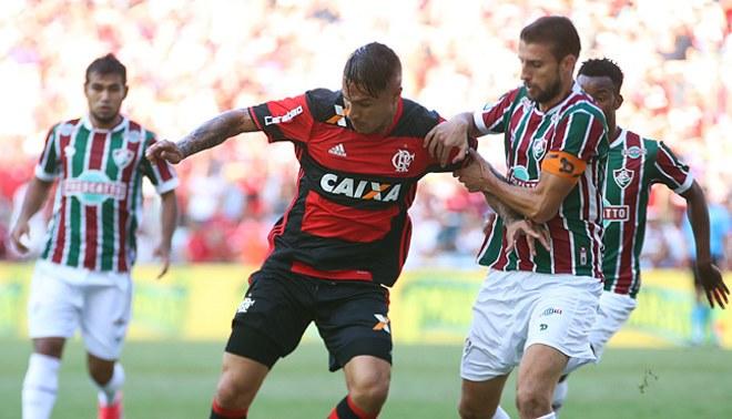 Paolo Guerrero entre los 15 goleadores más importantes de Brasil