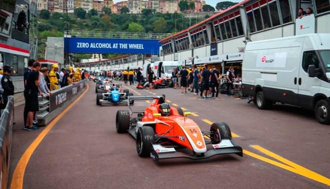 """Fórmula Renault Europea: El """"Inca"""" Pflucker cada vez más cerca de la Fórmula 1"""