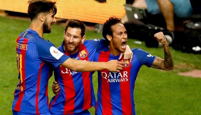 Barcelona presentó espectacular camiseta alterna para la próxima temporada   FOTOS  705d9c49e2ab6