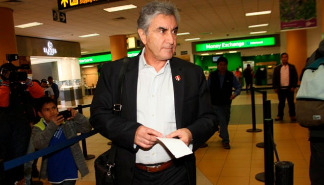 "Juan Carlos Oblitas destacó actuación de Leao Butrón ""Ayer fue Sporting Cristal contra Leao"""