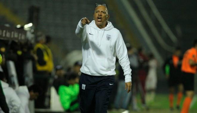 Roberto Mosquera es considerado el mejor entrenador peruano en la actualidad