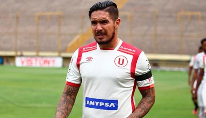 Universitario: Juan Manuel Vargas renovó con el club 'crema' hasta diciembre