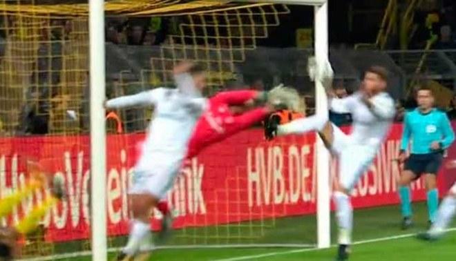 Real Madrid vs. Borussia Dortmund: Sergio Ramos cometió mano en plena área, pero no le sancionan [VIDEO]