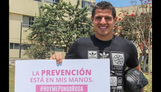 Futbolistas de Universitario promueven campaña de prevención de cáncer de mama