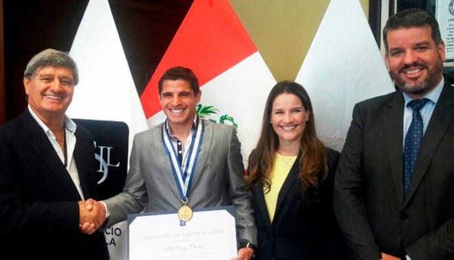 Universitario: Aldo Corzo fue becado por una Universidad