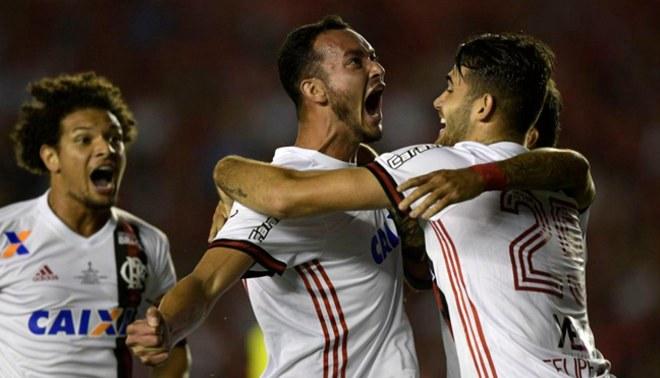 Jugador del Flamengo le dedicó gol a Paolo Guerrero en final de la Copa Sudamericana [VIDEO]